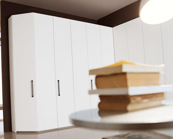 угловые гардеробные шкафы