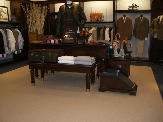 мебель из италии на заказ для бутика